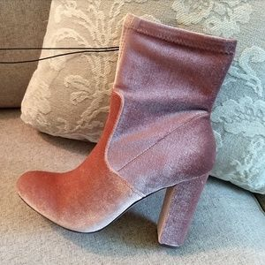 New pink velvet heel boots